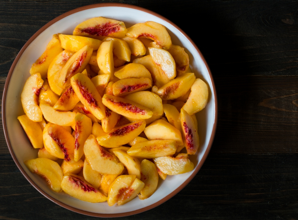 Sliced peaches-8568