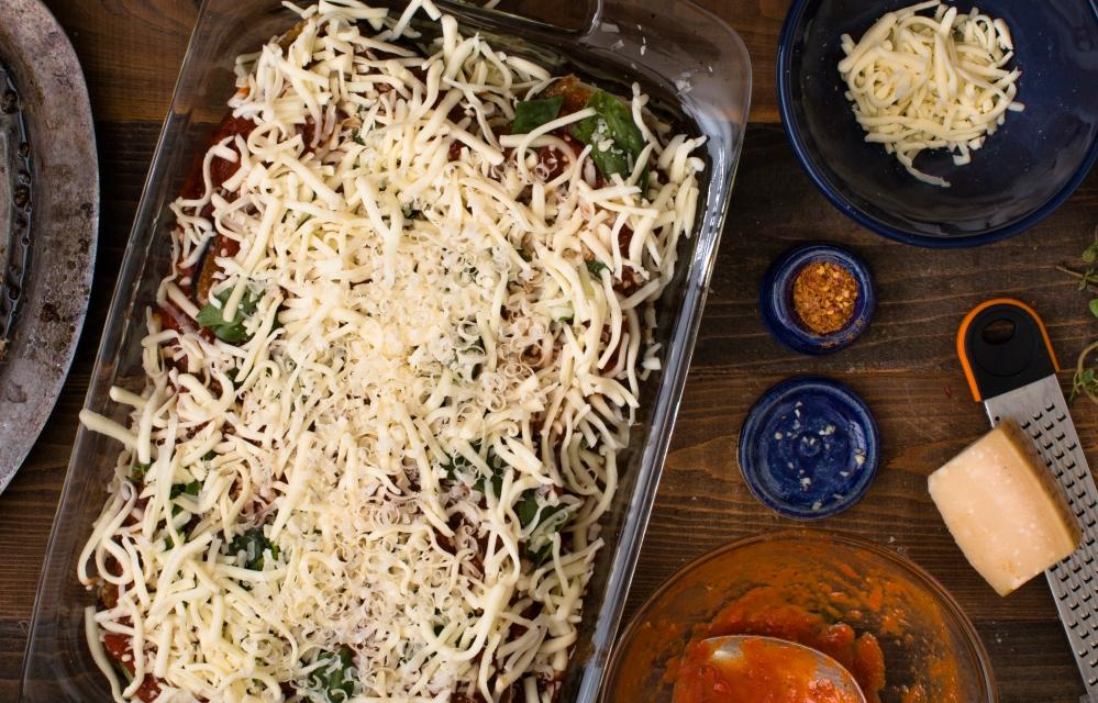 Prep for organic eggplant parmesan-0470