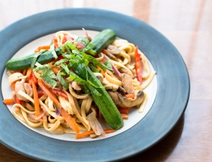 thai-inspired-chicken-and-veggie-stir-fry-with-linguini-8243