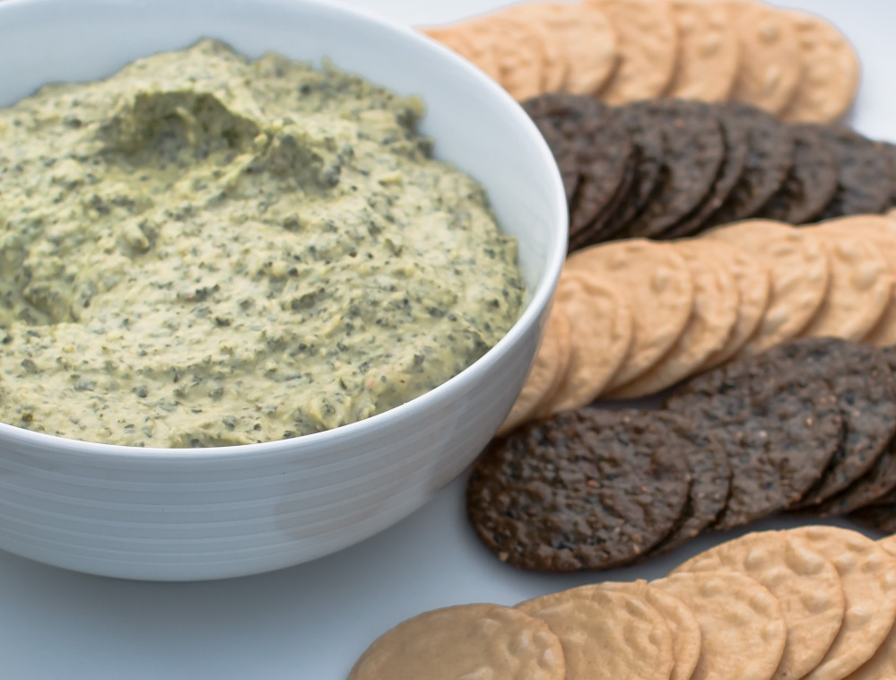 italian-kale-and-white-bean-hummus-1260