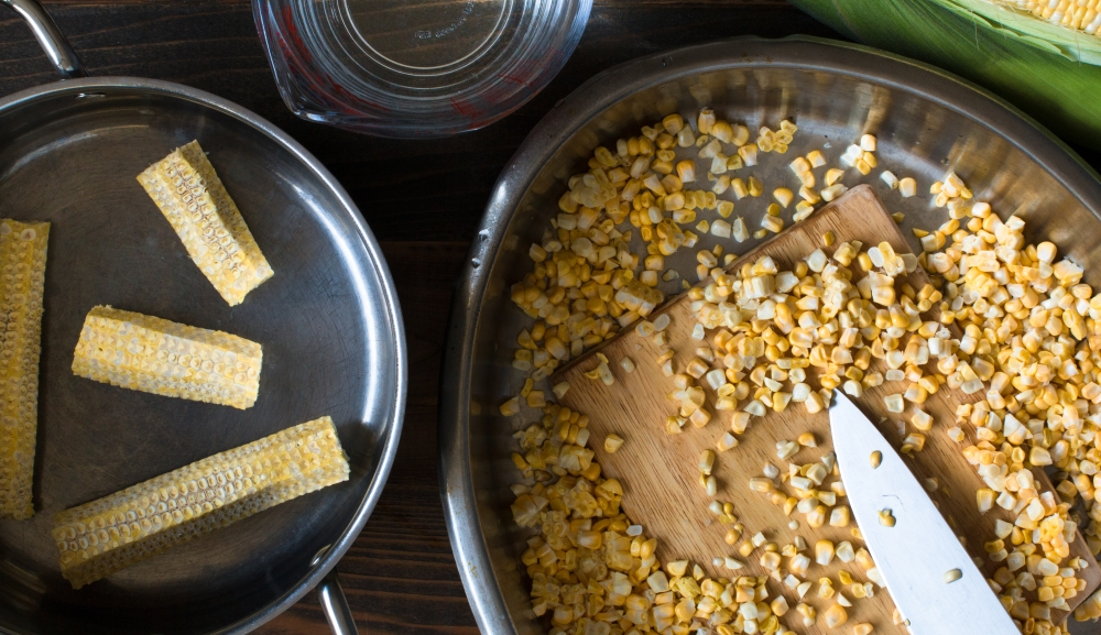 Prep for cut sweet corn and sweet corn stock-9035