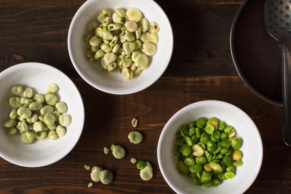 Prep for peeling fava beans-0441